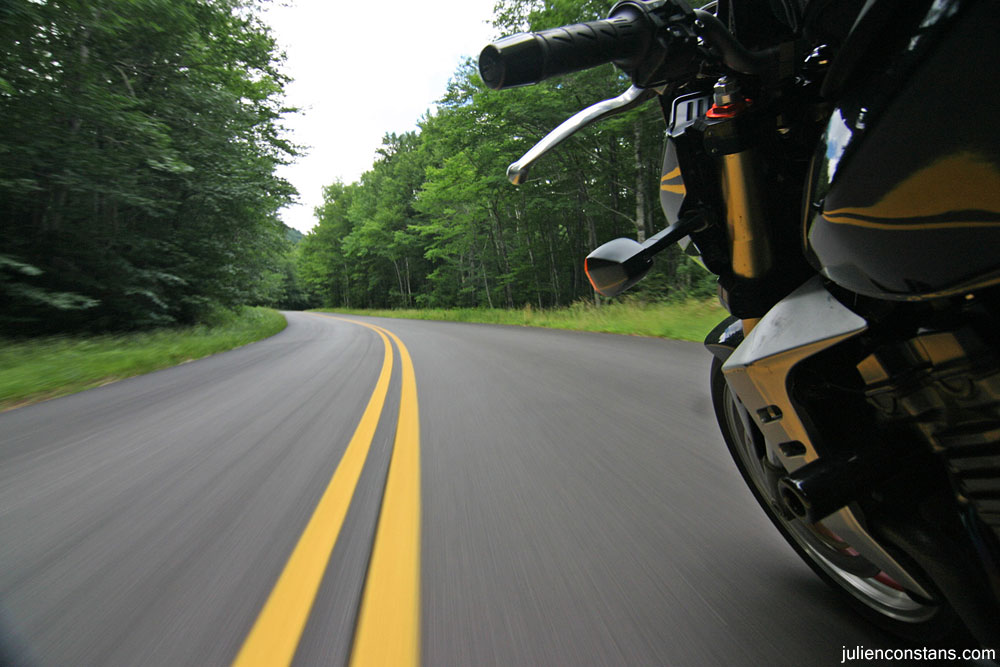 Kawasaki Z1000 on the road