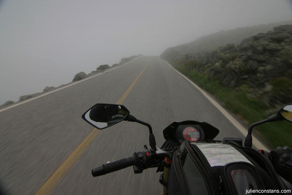 Kawasaki Z1000 riding up