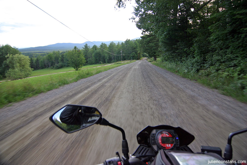 Kawasaki Z1000 dirt road